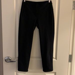 Lululemon black on the move pant sz 6 like new